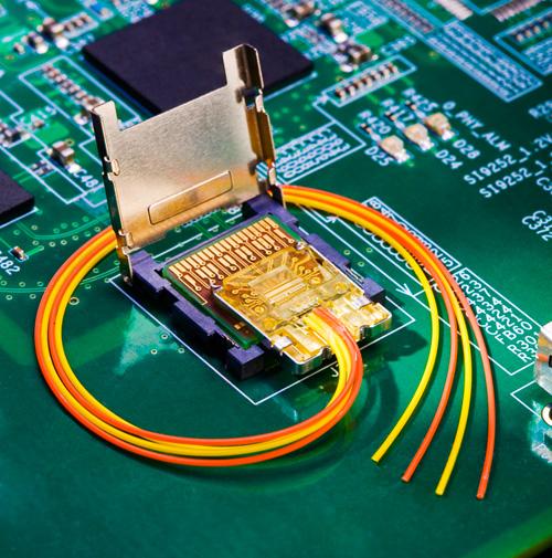 Port à fibre optique (très) haut débit sur PC ?
