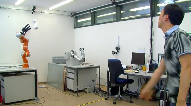 Un bras robot plus rapide qu'Usain Bolt