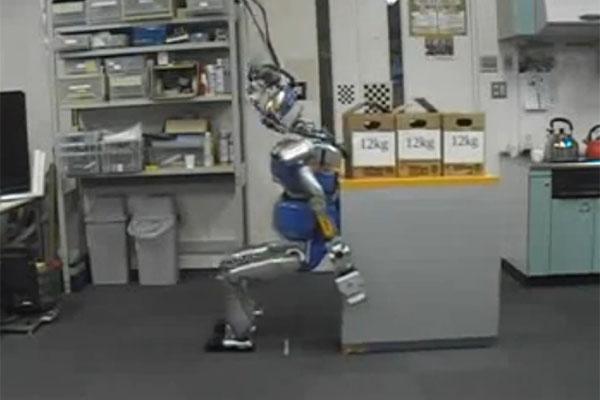 HRP-2, le premier robot déménageur