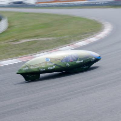 hoto: version précédente de l'Eco-runner lors d'un essai sur la piste de Zandvoort, Pays-Bas. Avec l'aimable autorisation de l'équipe Eco-runner.