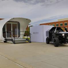 Un abri, une voiture et une seule source d'énergie