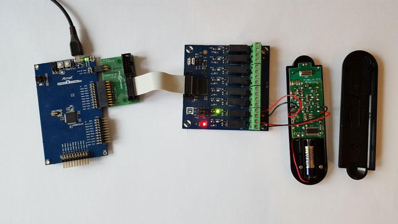 Le montage avec la carte SAM D20 pour commander une prise télécommandée.