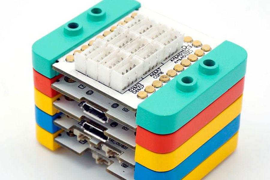 Pile de modules à assemblage/désassemblage instantané