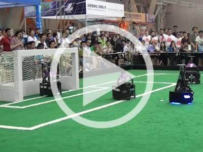 Elektor.TV | Les robots aussi ont leur Coupe du Monde