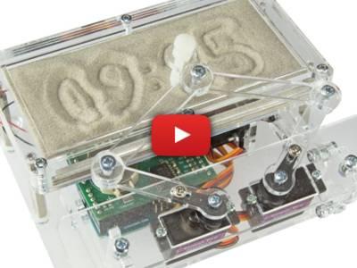 Horloge de sable Arduino : l'heure écrite sur le sable